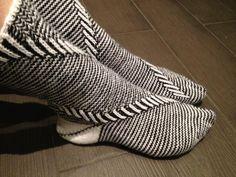 Eternity socks with spiral pattern by Gabriele Boldt - GaBoSocks Eternity socks with spiral pattern by Gabriele Boldt – GaBoSocks Ravelry: Eternity socks with spi Crochet Socks, Knitting Socks, Hand Knitting, Knit Crochet, Little Cotton Rabbits, Spiral Pattern, Yarn Ball, Wool Socks, Knitting Accessories