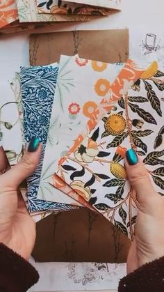 Envelope Pattern, Craft Booth Displays, Pen Pal Letters, Handmade Envelopes, Send A Card, Creative Gift Wrapping, Bullet Journal Art, Paper Packaging, Letter Writing