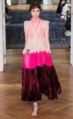 Valentino Spring-Summer 2017 Ready-to-Wear Runway Collection | Lovika