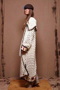 yard of girls : thepeachskin:Zaitegui Crochet Shawl Free, Gilet Crochet, Crochet Jacket, Crochet Cardigan, Knit Crochet, Long Cardigan, Knit Fashion, Boho Fashion, Style Fashion