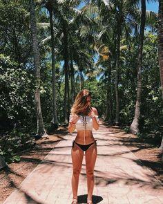0c77f20cc4a7 40 mejores imágenes de Bikinis en 2019