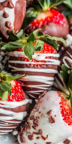 The ULTIMATE homemade chocolate covered strawberries loaded with flavors and great for any occasion. Simple and easy no bake dessert.