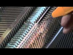 Macchina maglieria tubolare scollo a V - YouTube