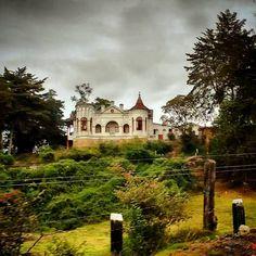 Castillo de cuento de hadas. Se encuentra en la vía que de Chiquinquirá, conduce a Villa de Leyva, Colombia.
