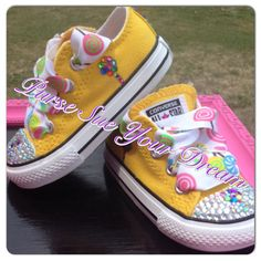 Rhinestone Candland/Candy Shoppe Converse by PurseSueYourDream Zapatos Bling Bling, Bling Converse, Bling Shoes, On Shoes, Baby Shoes, Wedding Converse, Baby Sneakers, Nike Shoes, Custom Design Shoes