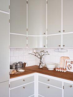 Kitchen Interior, New Kitchen, Kitchen Dining, Kitchen Decor, Kitchen Cabinets, Beautiful Kitchens, Cool Kitchens, Kitchen Island Options, Small Kitchen Inspiration