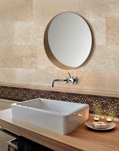 """Salle de bain en marbre et frise en zellige ciselé """"Petra"""""""