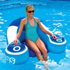 Drink-Cooling Pool Lounger