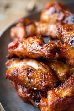 Have you ever smoked chicken wings before? These are out of this world with their juicy meat and sweet and spicy dry rub! Find out how I learned from my mistakes to make the best smoked chicken wings Grilled Chicken Wings, Grilled Chicken Recipes, Chicken Wing Recipes, Gourmet Chicken, Grilled Meat, Fried Chicken, Smoke Chicken Wings Recipe, Smoked Chicken Wings, Best Smoked Wings Recipe