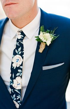 18 Modern Groom's Attire Details to Rock! Wedding Dress Men, Perfect Wedding Dress, Wedding Groom, Wedding Attire, Summer Wedding Suits For Groom, Mens Beach Wedding Guest Attire, Summer Weddings, Wedding Bouquet, Dream Wedding