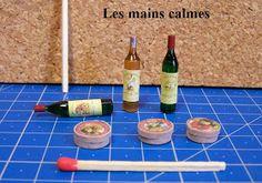 how to: wine bottles lim tub till limpistol Dollhouse Miniature Tutorials, Miniature Dollhouse Furniture, Miniature Kitchen, Miniature Crafts, Miniature Food, Miniature Dolls, Dollhouse Miniatures, Dollhouse Ideas, Minis
