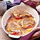 Kabeljauw met mosterd-sojasaus en tomaten uit de oven, uit het kookboek 'Puur genieten 2' van Pascale Naessens. Kijk voor de bereidingswijze op okokorecepten.nl.