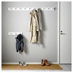 IKEA KUBBIS rack with 7 hooks Solid wood is a hardwearing natural material. Entrada Ikea, Entryway Hooks, Ikea Family, Wall Organization, Towel Rail, Small Storage, Staying Organized, Wall Spaces, Display Shelves