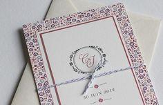 Carton d'invitation mariage      Monogramme et motif Liberty créent l'association parfaite. Vous pouvez lier votre carton d'invitation au faire-part avec un fil en baker twin par exemple.    Carte simple rectangle  Impression recto-verso  Format 90x140 mm  Papier vergé blanc naturel    A partir de 2 € l'unité
