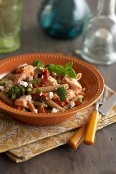 Want a great Mediterranean recipe? Here's one of ours: Mediterranean salmon pasta Salmon Pasta Recipes, Healthy Pasta Recipes, Healthy Pastas, Seafood Recipes, Cooking Recipes, Weeknight Recipes, Healthy Dinners, Cooking Ideas, Delicious Recipes