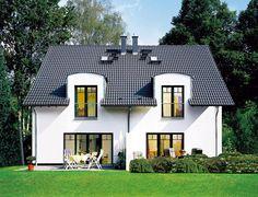 <p>Bauherren haben viele Möglichkeiten zur Gestaltung des Satteldachs: verschiedene Neigungen und Traufhöhen oder die Kombination mit Gauben und Erkern.</p>