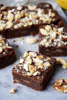fit brownie with bananas - Fit Sweet Desserts, Vegan Desserts, Sweet Recipes, Cake Recipes, Dessert Recipes, Healthy Cake, Healthy Sweets, Helathy Food, Fig Cake