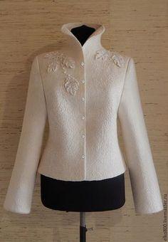 Acquista Winter Forest Jacket - giacca bianca in feltro, giacca bianca, nunofelting, seta naturale Hijab Fashion, Fashion Dresses, Kleidung Design, Hijab Stile, Mom Dress, Mode Inspiration, Jacket Style, Blouse Designs, Mantel