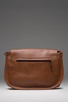 Túi đeo chéo Ovani màu bò - thương hiệu Lee&Tee
