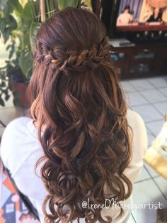 12 Prom Hairstyles for Long Hair Half Up Curly Braids Updo 2 .- 12 Prom Frisuren für langes Haar Half Up Curly Braids Updo 27 – Suzy's Fashion 12 prom hairstyles for long hair half up curly braids updo 27 - Quince Hairstyles, Wedding Hairstyles For Long Hair, Hairstyles For Bridesmaids, Curly Hair Styles Wedding, Braid Hairstyles For Long Hair, Simple Hairstyles, Beautiful Hairstyles, Hairstyles With Lehenga, Brides Maid Hair Styles