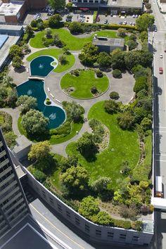 EN IMAGES. Tour d'horizon des plus beaux toits végétalisés