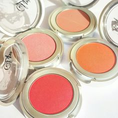 Turn the other cheek 💋💄🌹 Our Blushes are highly pigmented and easy to blend!! Shop www.lipsicosmetics.com