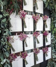 A simple that combined with freeze-dried flowers produces a visual impact, is - Wedding Ideas Wedding Themes, Wedding Signs, Diy Wedding, Rustic Wedding, Wedding Decorations, Freeze Dried Flowers, Wedding Table Seating, 1st Birthday Party Invitations, Flower Bar