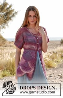 """Knitted DROPS jacket with short sleeves, lace pattern and fans in """"Delight"""". Size: S - XXXL. ~ DROPS Design"""