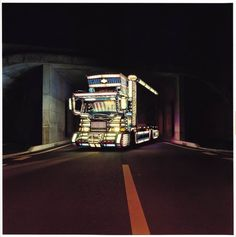 Photo book: DECOTORA by 田附 勝 (Masaru Tatsuki) Image via amazon.co.jp. DECOTORA indicates decoration trucks in Japan