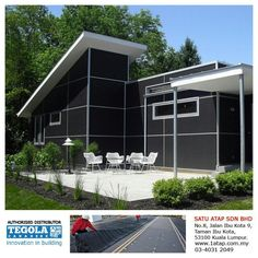 'Out of the box' modern house with flat roof design - using Firestone RubberGard EPDM membrane