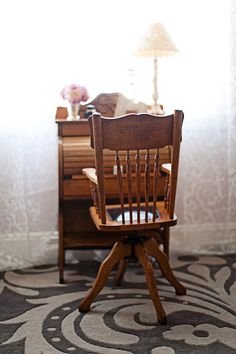 Mini Writing Desk....want one, regular size for myself