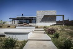 Casa La Tomatina by Plastik Arquitectos