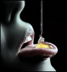 Galeria de fotos para tu blog o webpage: Tentation-Eroticas tentaciones....  Honey Is An Amazing, And Looks Amazing...  Mmmmm..., All Natural Food. It's Been Used By Humans Since Around 700 B.C. It Has Vitamins, Minerals, Antioxidants Among Other Things.  Best Of All It Looks Sexy  Dripping Into Women's Mouths!!!  Mmmmm...       .  ( Enjoy Life )