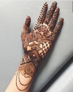 Here are the best full hand mehndi design images Choose the mehndi design for full hands. Latest Bridal Mehndi Designs, Indian Mehndi Designs, Full Hand Mehndi Designs, Henna Art Designs, Mehndi Designs 2018, Mehndi Designs For Girls, Mehndi Design Photos, Wedding Mehndi Designs, Beautiful Mehndi Design