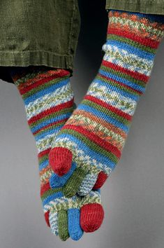 Toe Socks!!! I WILL get over my fear of knitting socks for these~!