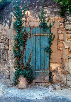 Blue Door, Provence, France - Photo by Olof Carmel -