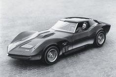 Corvette,-Zwischen 165 und 300 PS leisten die V8-Motoren. Das Fahrwerk erlaubt durchaus sportliche Einlagen.