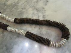 Holzketten - Mala Kette Kokos Buddha Perlen Biwa Perle - ein Designerstück von TOMKJustbe bei DaWanda
