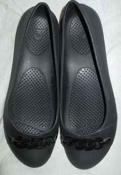 971cab8f4539 Women s Crocs Gianna Chain Link Black Ballet Flats Size Have Not Been Worn.  Minor Scratches on Chain.