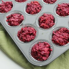 Beet & Carrot Muffins I used a combo almond, coconut, arrowroot for flour, coconut sugar + maple syrup -- try with more cinnamon + raisins / cranberries Carrot Muffins, Healthy Muffins, Healthy Treats, Flaxseed Muffins, Healthy Food, Beet Recipes, Baby Food Recipes, Recipies, Baking Recipes
