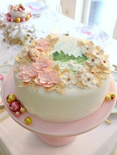 Most beautiful Christmas cake ever!