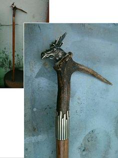 Wooden stick with horns and brass Drewniana laska z rogiem i mosiądzem
