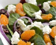 Salade de pousses d'épinard à la feta et mandarine : http://www.fourchette-et-bikini.fr/recettes/recettes-minceur/salade-de-pousses-depinard-la-feta-et-mandarine.html