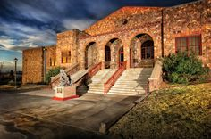 Museum of the Big Bend on the Sul Ross State University campus in Alpine, TX. The museum hosts annual workshops by Fort Davis artist Lindy Cook Severns. Erin Hanson, Impressionism Art, Lovers Art, Landscape Paintings, Vivid Colors, Places To See, Contemporary Art, Art Gallery, Fine Art