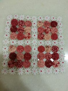 Pillow Crafts, Fabric Crafts, Cloth Flowers, Fabric Flowers, Stool Cover Crochet, Quilting Projects, Sewing Projects, Crafts To Make, Diy Crafts