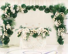 "118 lượt thích, 8 bình luận - Belle The Magazine - Weddings (@bellethemagazine) trên Instagram: ""STYLE THE AISLE : This is what regal dreams are made of ! . Venue: @fslosangeles | Planner:…"""