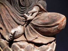 Guanyin -Lotus pose detail-