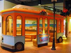 The Golisano Children's Museum of Naples (C'mon) is devoted to learning and playing