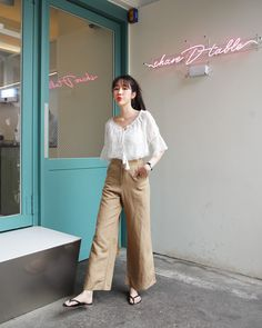 New fashion clothes shop design ideas Korea Fashion, Asian Fashion, Daily Fashion, Grunge Style, Soft Grunge, New Fashion Clothes, Fashion Outfits, Fashion Trends, Ootd