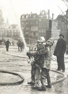 Blussen van de stadhuisbrand Leiden, 1929